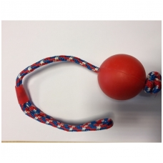 Kietas kamuoliukas su virve